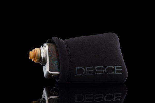 Desce Black Neo Sleeve Regular